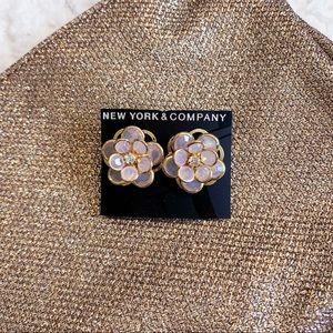 NWT // New York & Company flower earrings